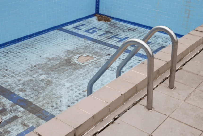 Pool Inclusions